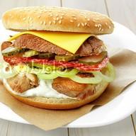 Даблбургер с копченой куриной грудкой Фото