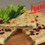 Осетинский пирог с фасолью и орехом Фото