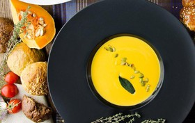 Крем-суп из тыквы с трюфельным маслом - Фото