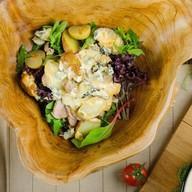 Теплый салат из индейки с дор блю Фото