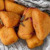 Ассорти из жареных сыров фри Фото