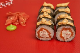 Ролл с лососем и крабом - Фото