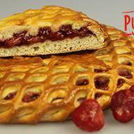 Сладкий пирог с клубникой Фото