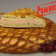 Сладкий пирог с творогом и вишней Фото