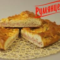 Пирог с ветчиной и сыром Фото