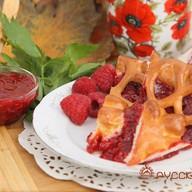 Пирог с малиной Фото