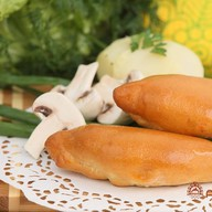 Пирожок с картошкой и грибами Фото