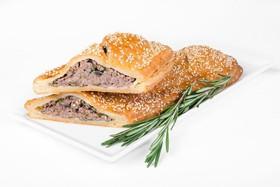 Штрудель с мясом и грибами - Фото