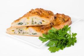 Штрудель с куриным филе и сыром - Фото