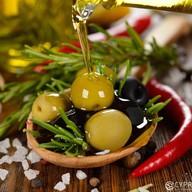 Маринованные оливки Фото