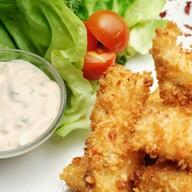 Стрипсы куриные с жареным картофелем Фото