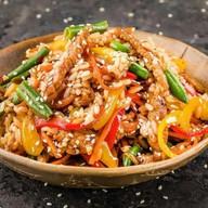 Wok рис с говядиной Фото