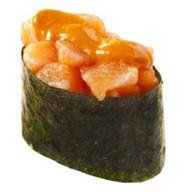 Спайс-суши с копченым лососем Фото