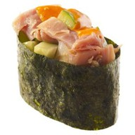 Спайс-суши с копченой курицей Фото