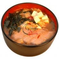 Острый суп с лососем Фото
