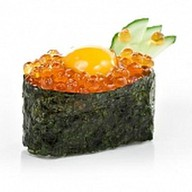 Суши икра с перепелиным яйцом Фото