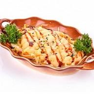 Запеченный салат с крабом Фото