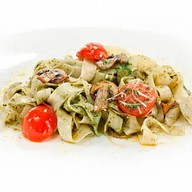 Тальятелле с овощами и соусом песто Фото