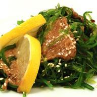 Салат из морских водорослей чукка Фото