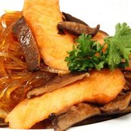 Лапша рисовая с грибами шиитаке,лососем Фото