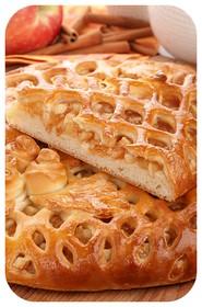 Сладкий пирог с яблоком и корицей - Фото