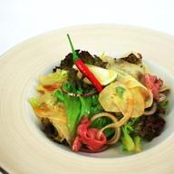 Острый салат из говядины по-тайски Фото