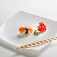 Суши с лососем де люкс Фото