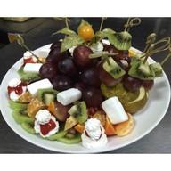 Ассорти сезонных фруктов Фото