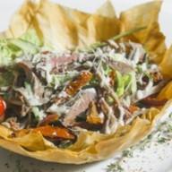 Мясной салат с английским ростбифом Фото