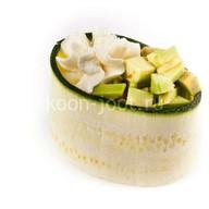 Гункан с авокадо Фото