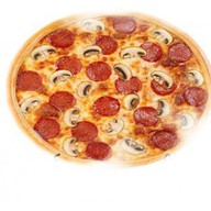 Пицца с салями и грибами Фото