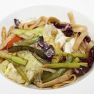 Китайская лапша с овощами Фото