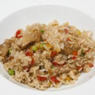 Жареный рис с овощами и креветкам Фото