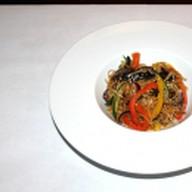 Лапша с овощами и шиитаке Фото