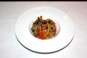 Лапша с овощами и шиитаке - Фото