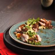 Салат с ростбифом и печеным картофелем Фото