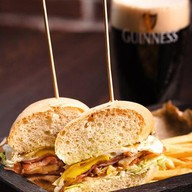 Клаб сэндвич Brooklyn Фото