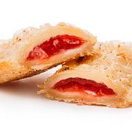 Пирожок с клубничной начинкой Фото