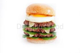Тройной Бургер с говядиной и яйцо - Фото