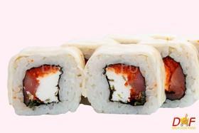 Ролл с копченым лососем - Фото