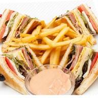 Клаб-сэндвич Фото
