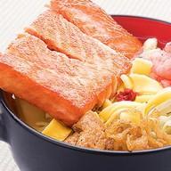 Рамен с лососем Фото