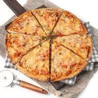 Аппетитная пицца Фото