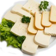 Ассорти грузинских сыров Фото