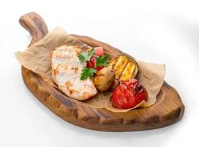 Куриная грудка с овощами гриль - Фото