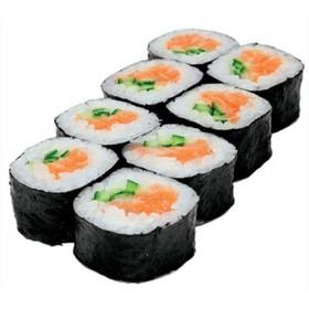 Ролл с лососем и огурцом - Фото