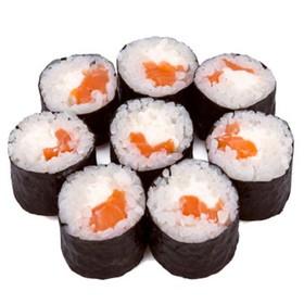 Ролл с лососем и сыром - Фото