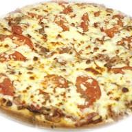 Пицца сборная мясная Фото