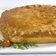 Пирог со свиной шеей и картофелем Фото