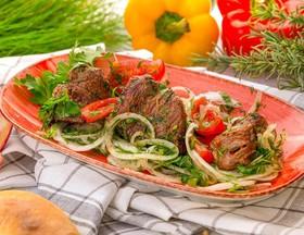 Шашлык грузинский из баранины с зеленью - Фото